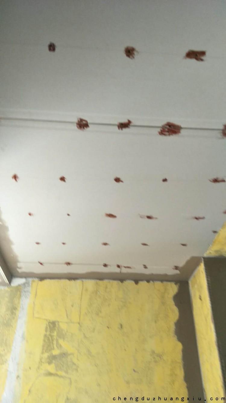 成都装修网:防锈漆点涂