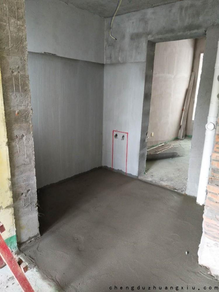成都装修网:地面回填完毕