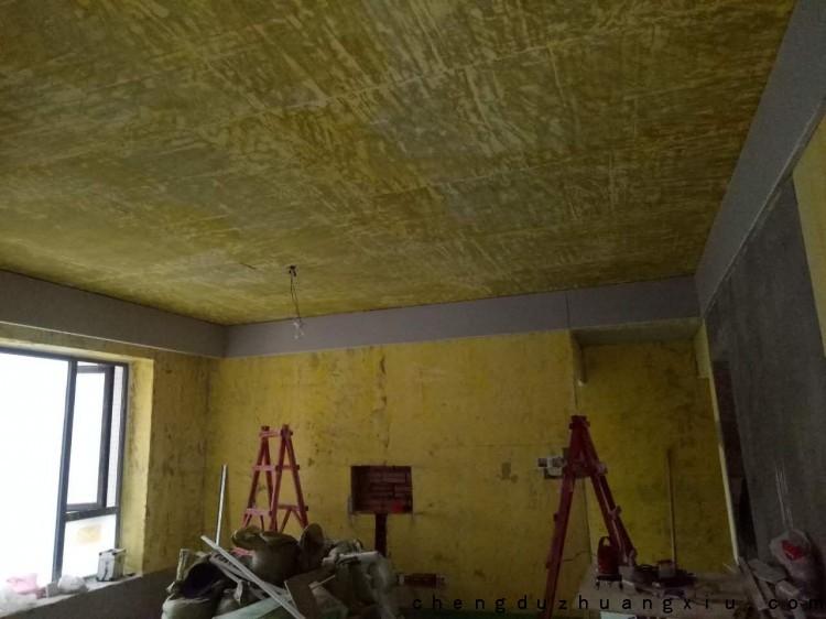 成都装修网:客厅挂镜线施工